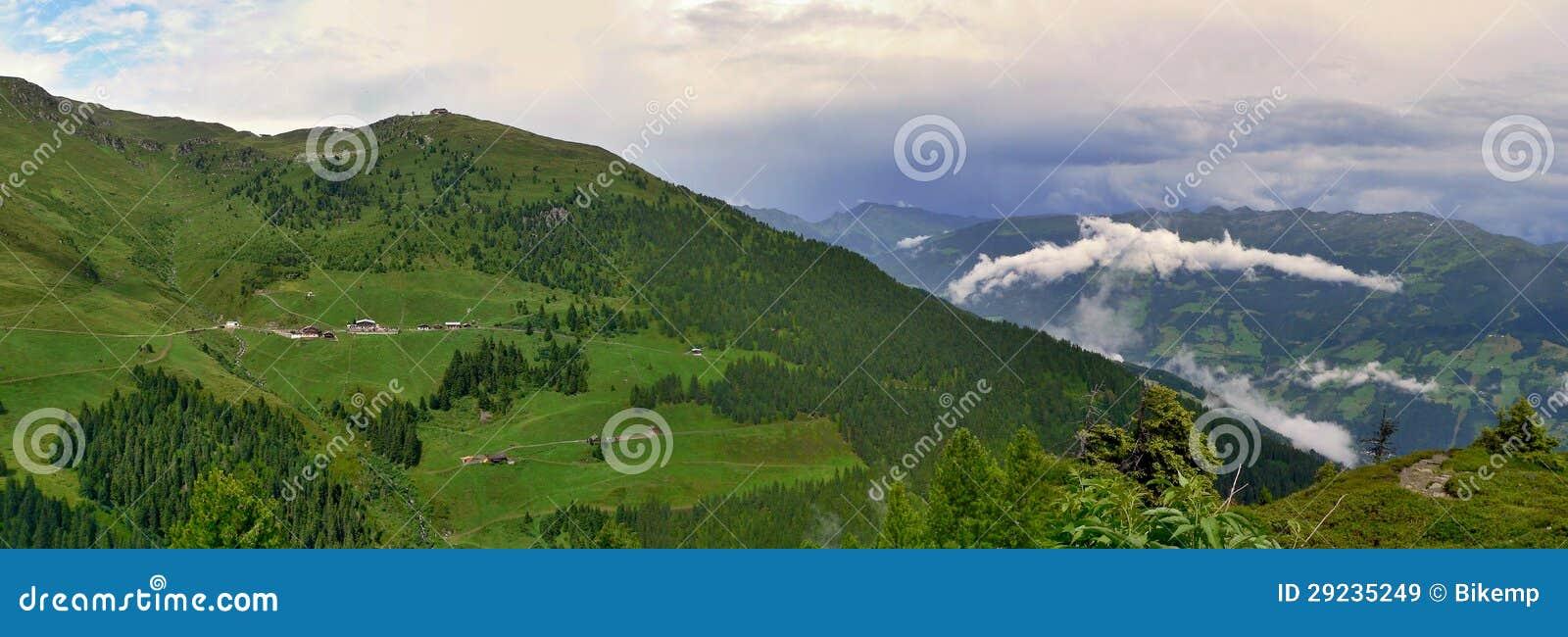 Download Cume-vista Austríaca Do Hirschbichlalm Imagem de Stock - Imagem de heaven, vista: 29235249