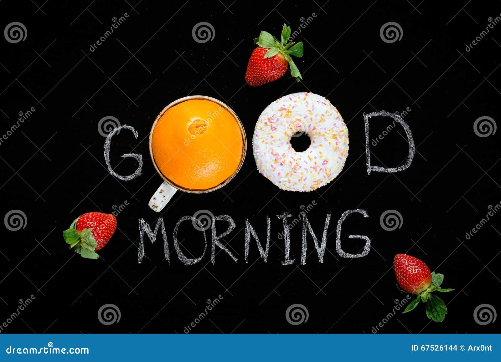 Cumprimento do bom dia na placa de giz Alimento saudável, frutos frescos