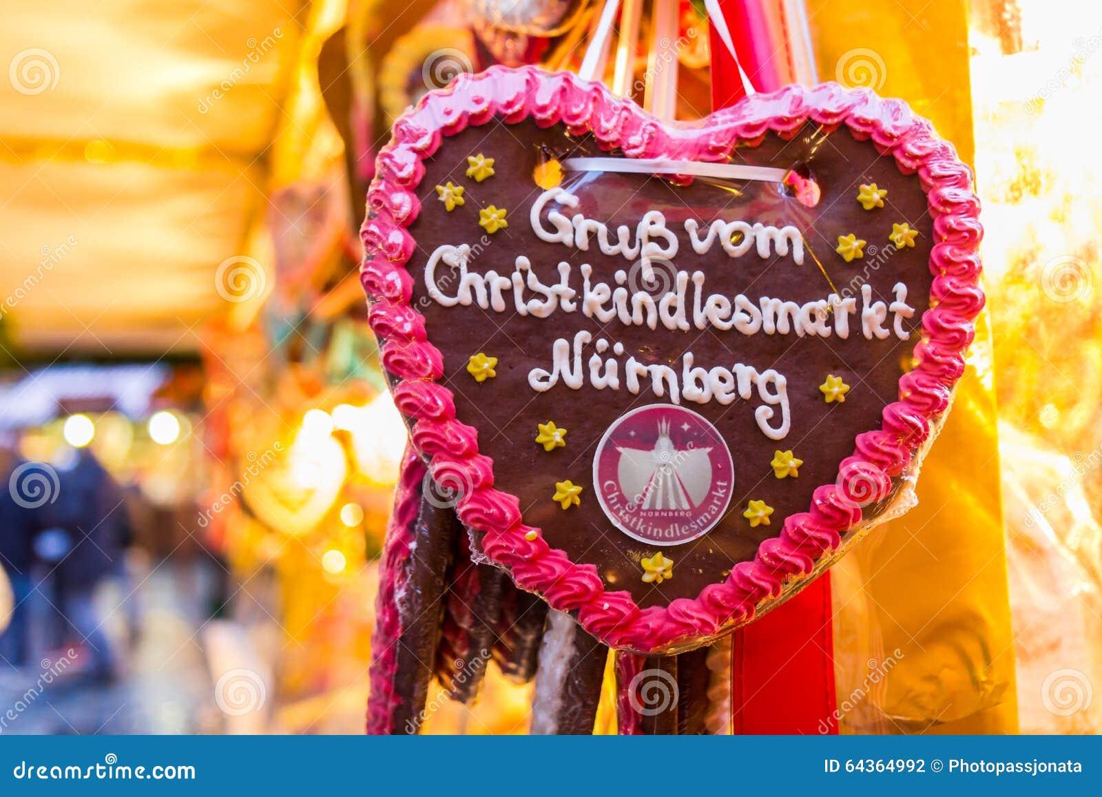 Cumprimentos do coração Nuremberg-Alemanha do Mercado-pão-de-espécie do Natal