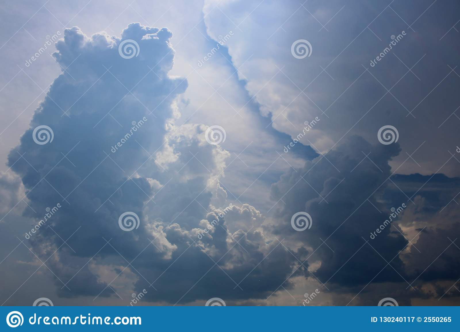 Cumulus d orage en ciel