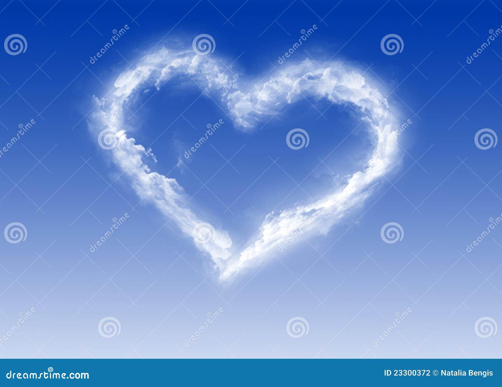 Cuore delle nubi - giorno del biglietto di S. Valentino - amore