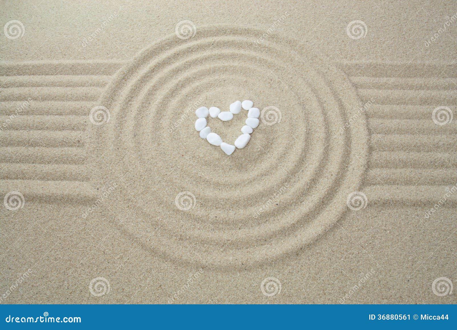 Download Cuore fatto delle pietre immagine stock. Immagine di nave - 36880561