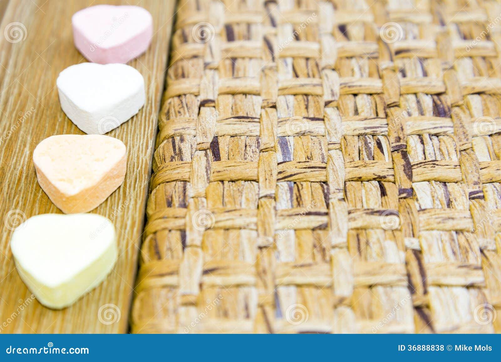 Download Cuori Di Candy Di Legno E Tessuti Fotografia Stock - Immagine di canna, cuore: 36888838