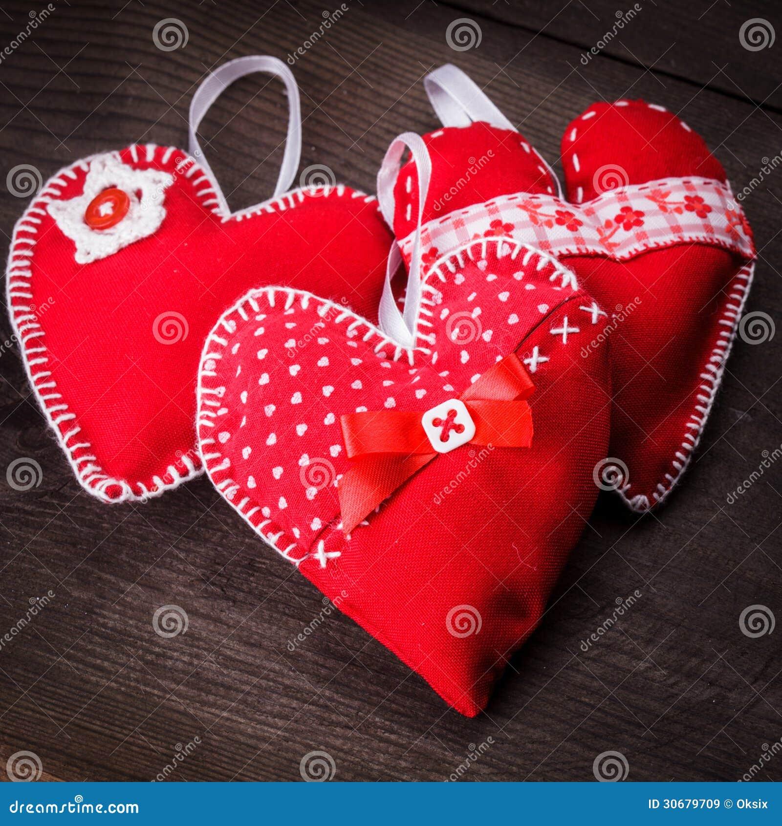 Cuori rossi fatti a mano immagine stock immagine di for Immagini di cuori rossi