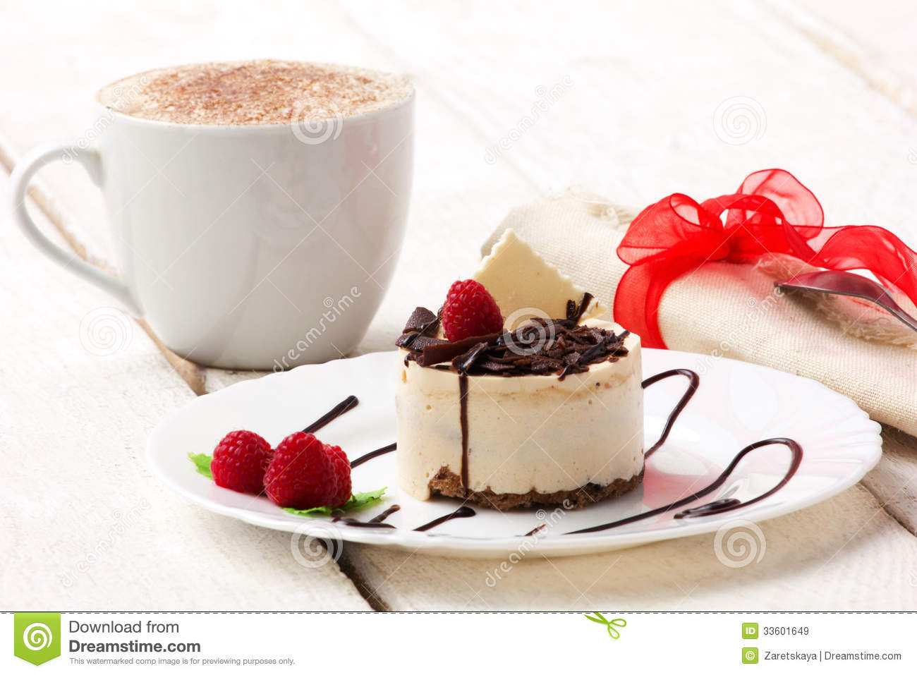 Cup-cake And Coffee Royalty Free Stock Images - Image ...