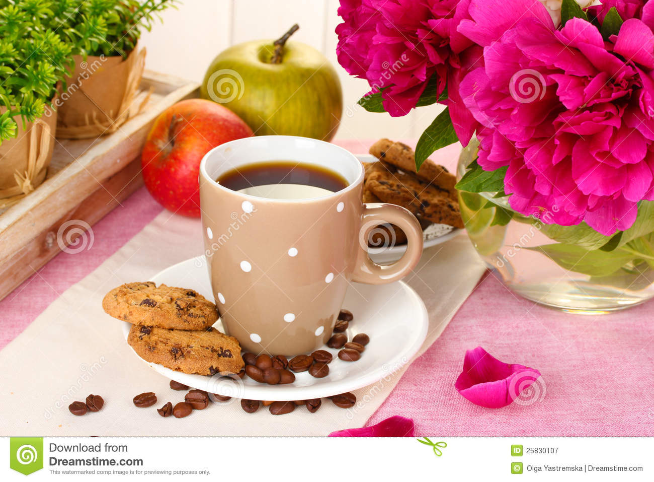 Royalty Free Stock Photography: Cup of coffee, cookies, apples and ...