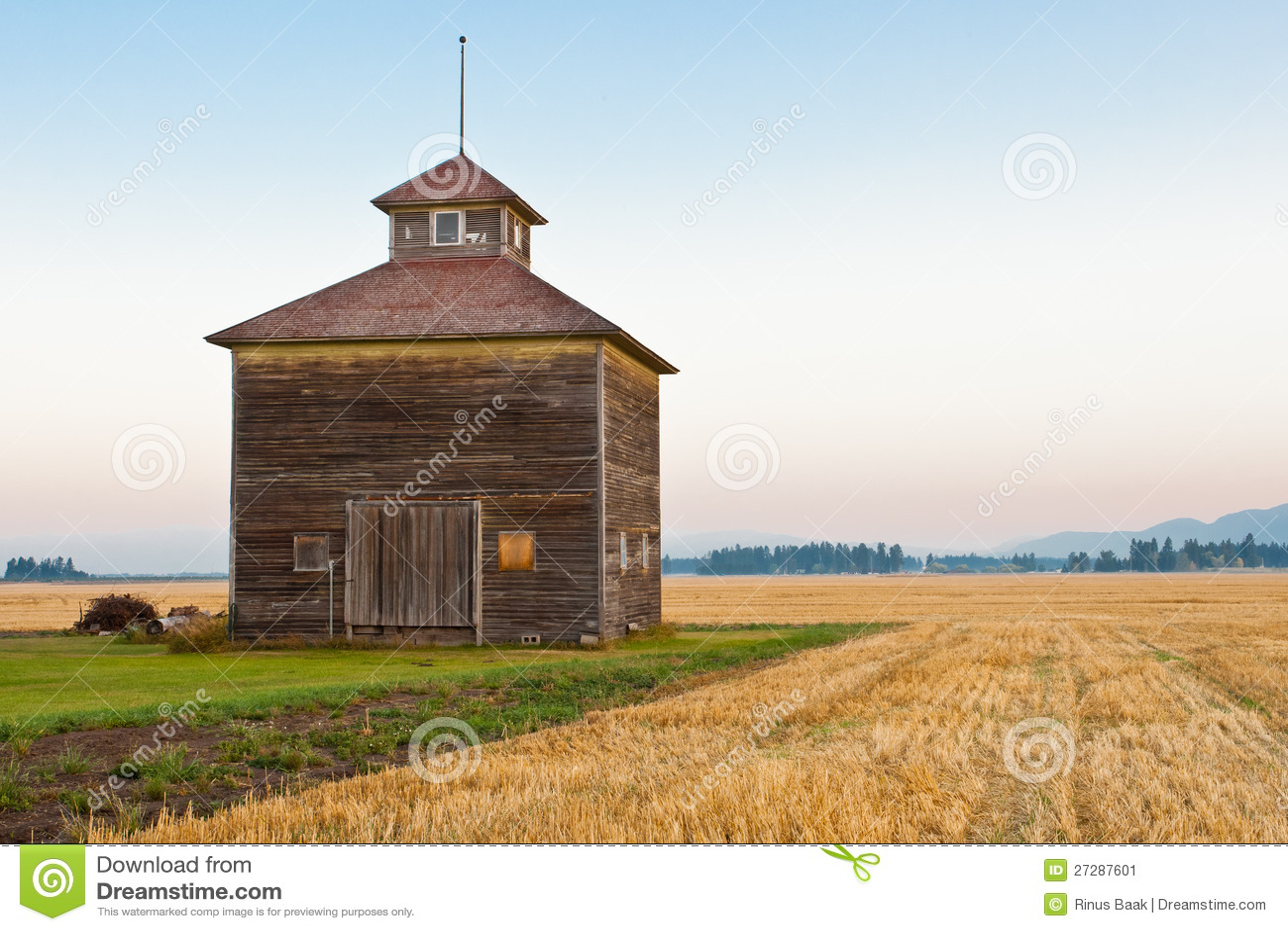 Cupola Decorated Barn Stock Image Image 27287601