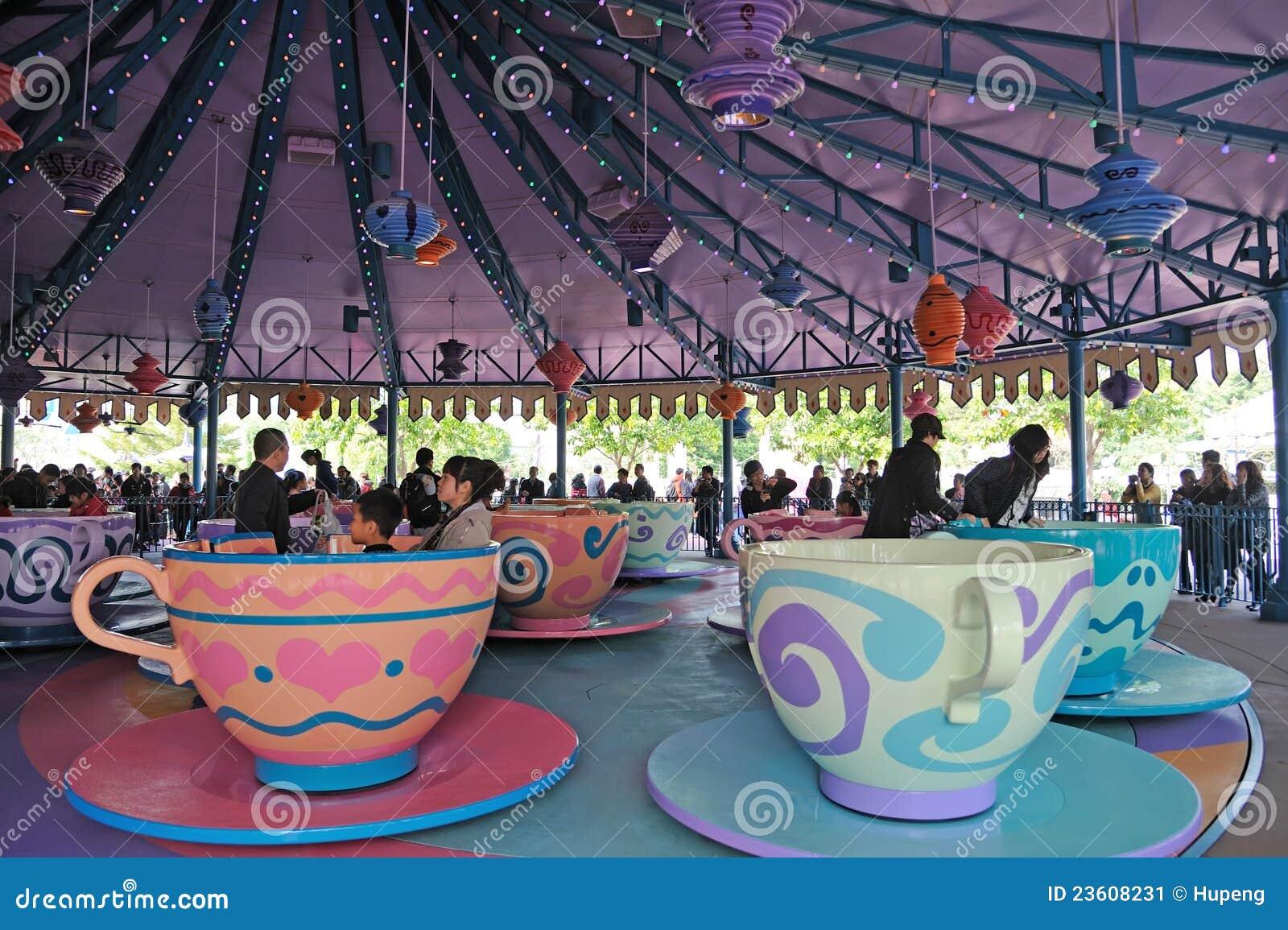 Cups disney hatterHong Kong tokig tea