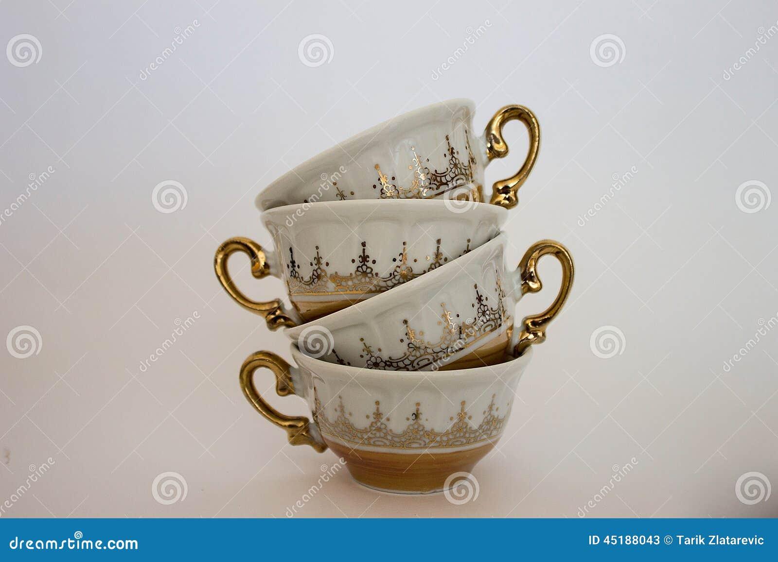Cups saucerstea tre