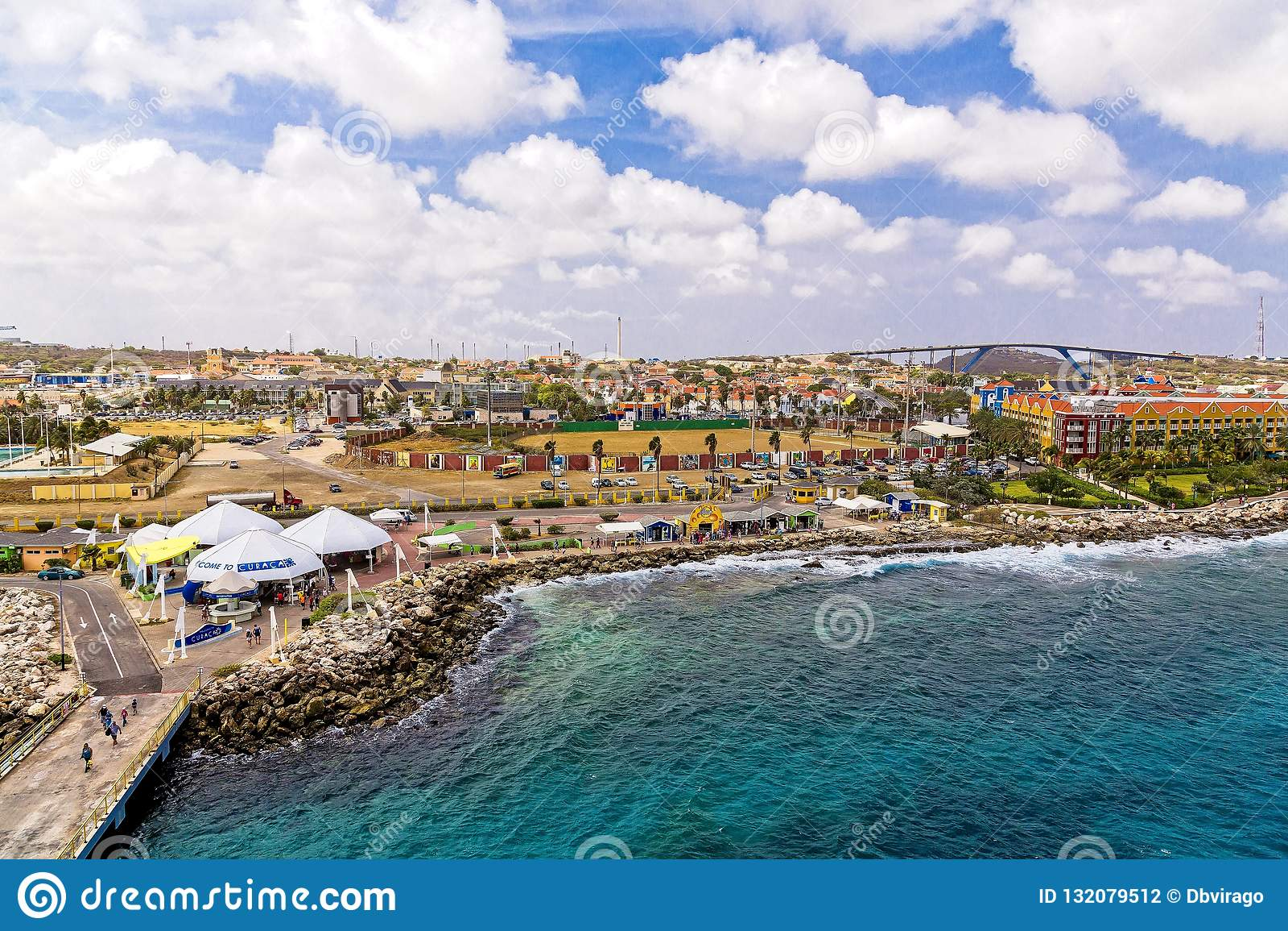 Curaçao-Meer durch Pier
