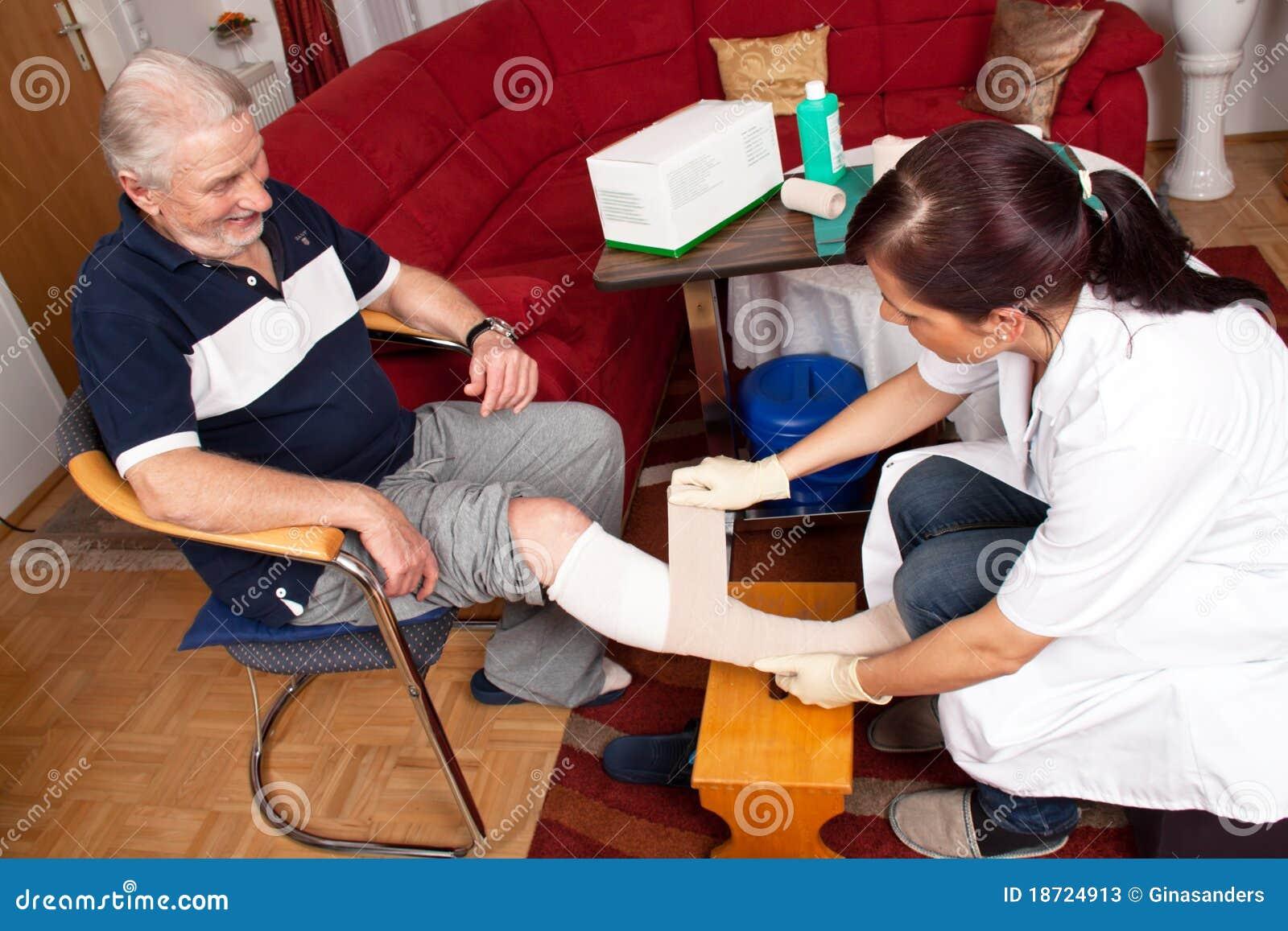 Cura della ferita dalle infermiere