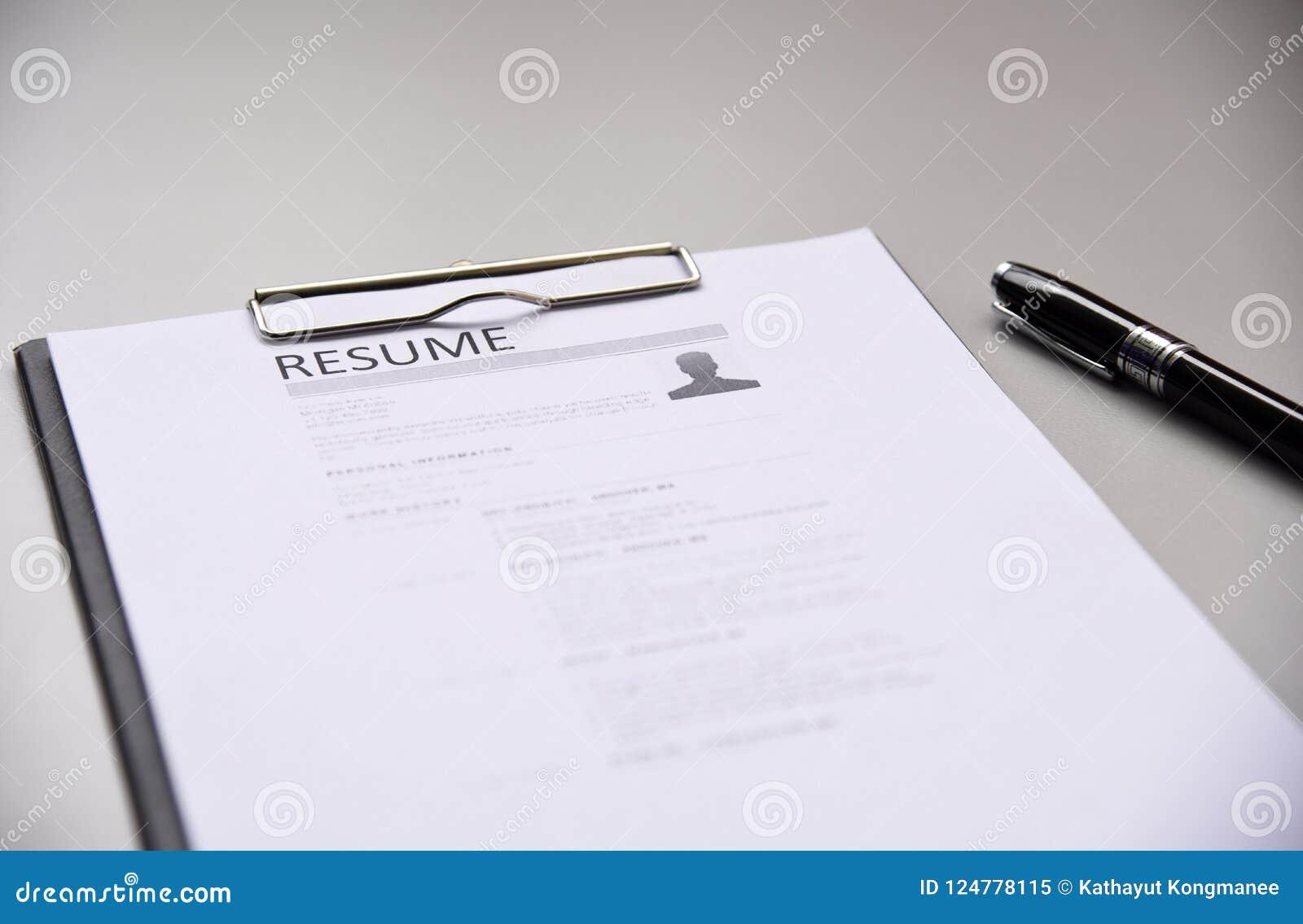 Curriculum vitae en negocio de la oficina de la tabla