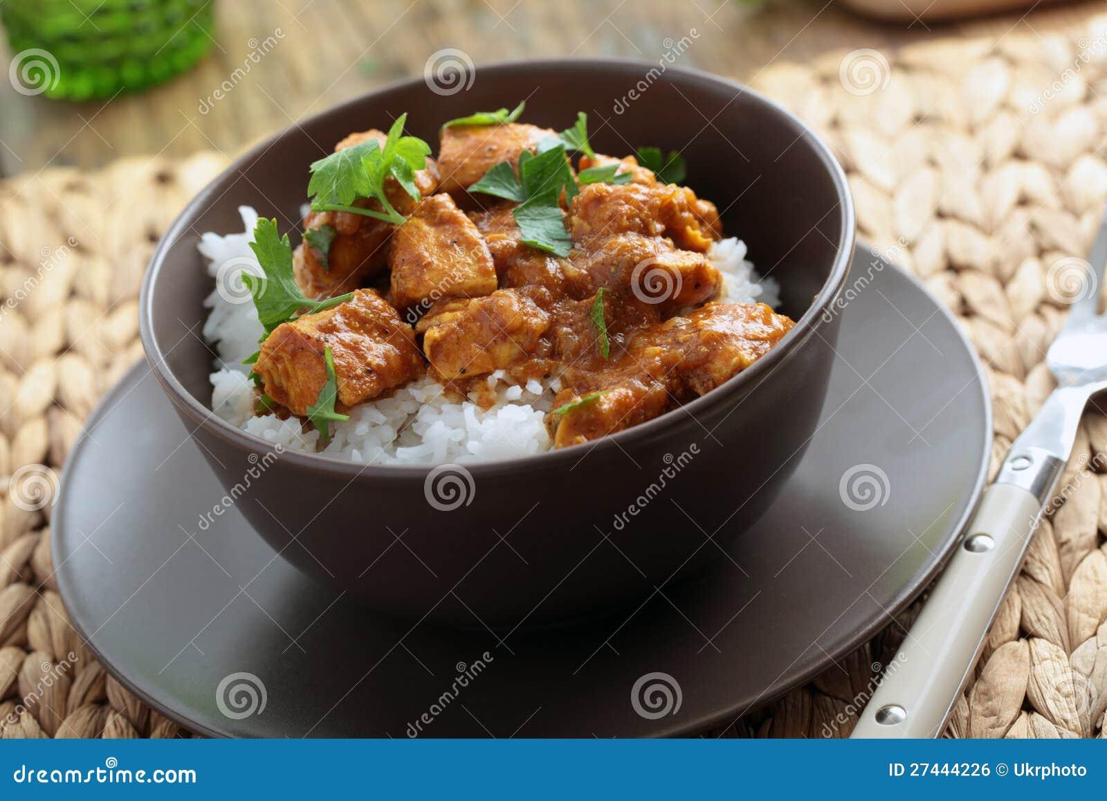 Curry del pollo con riso