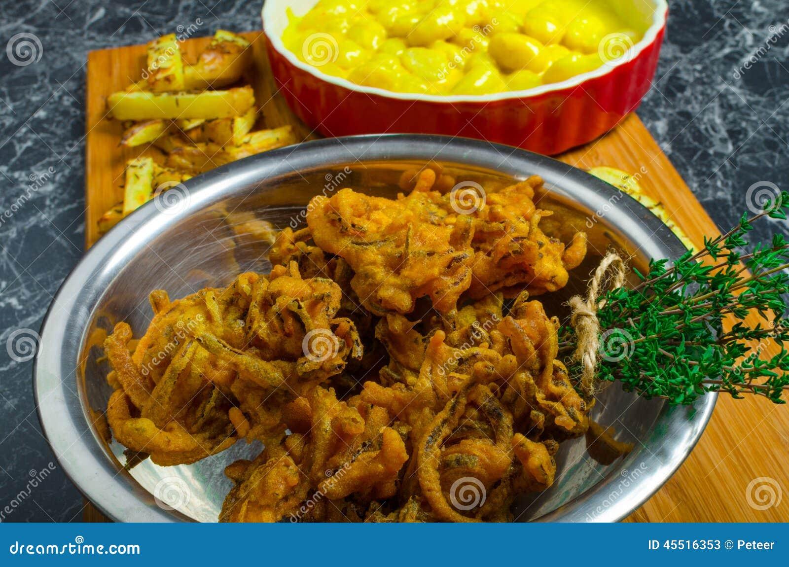 Curry ego gnocchi z bhajjis i piec grulą