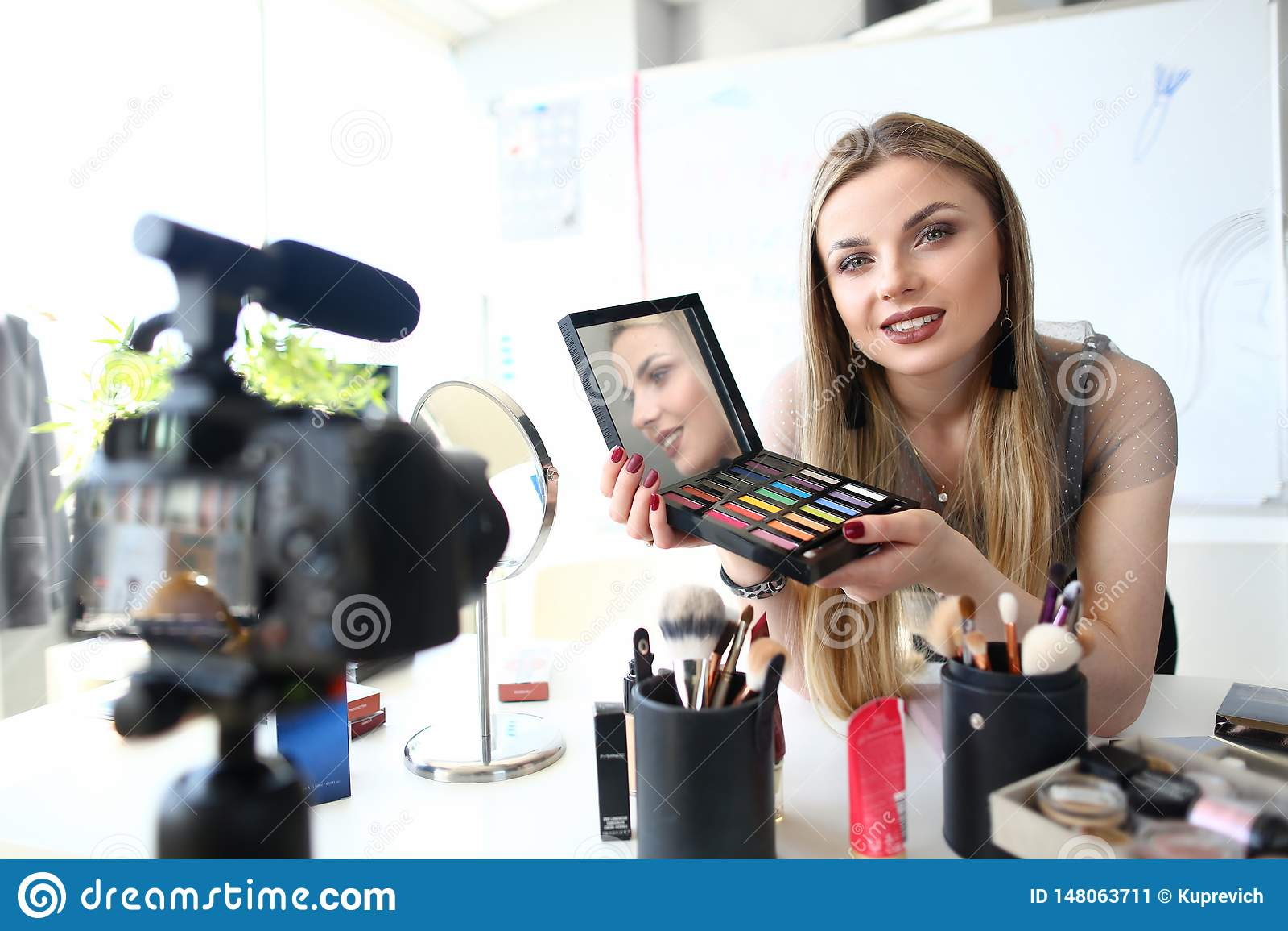 Curso video de gravação da beleza do Blogger novo