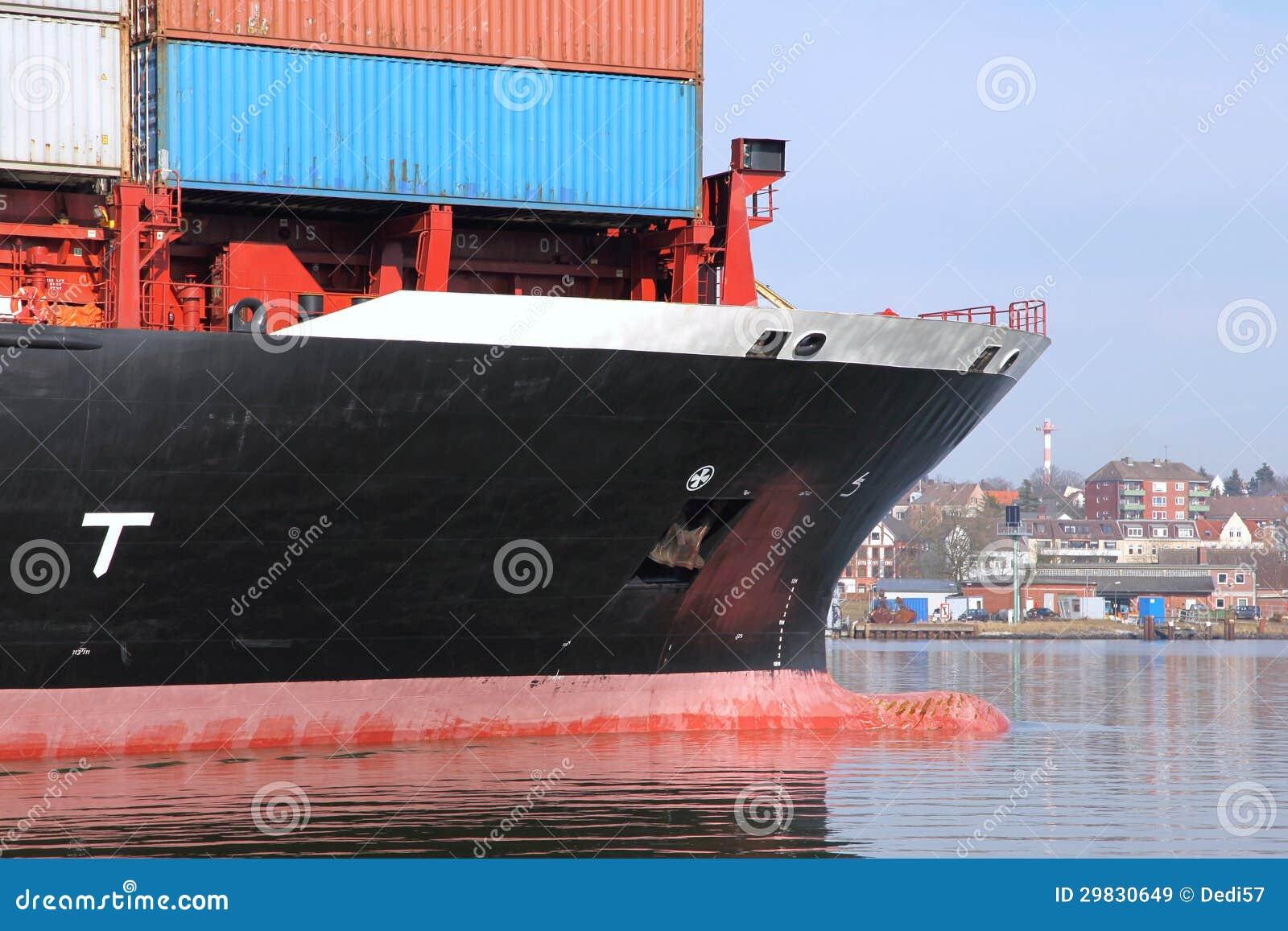 Curva de um navio de recipiente