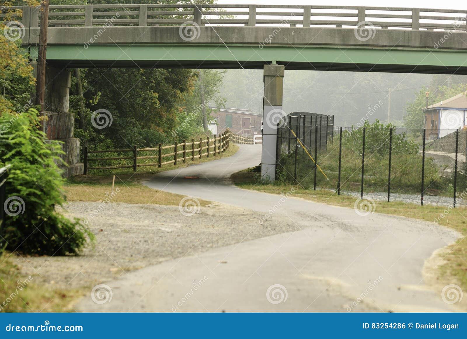 Curvy Abschnitt Blackstone-Fluss Bikeway
