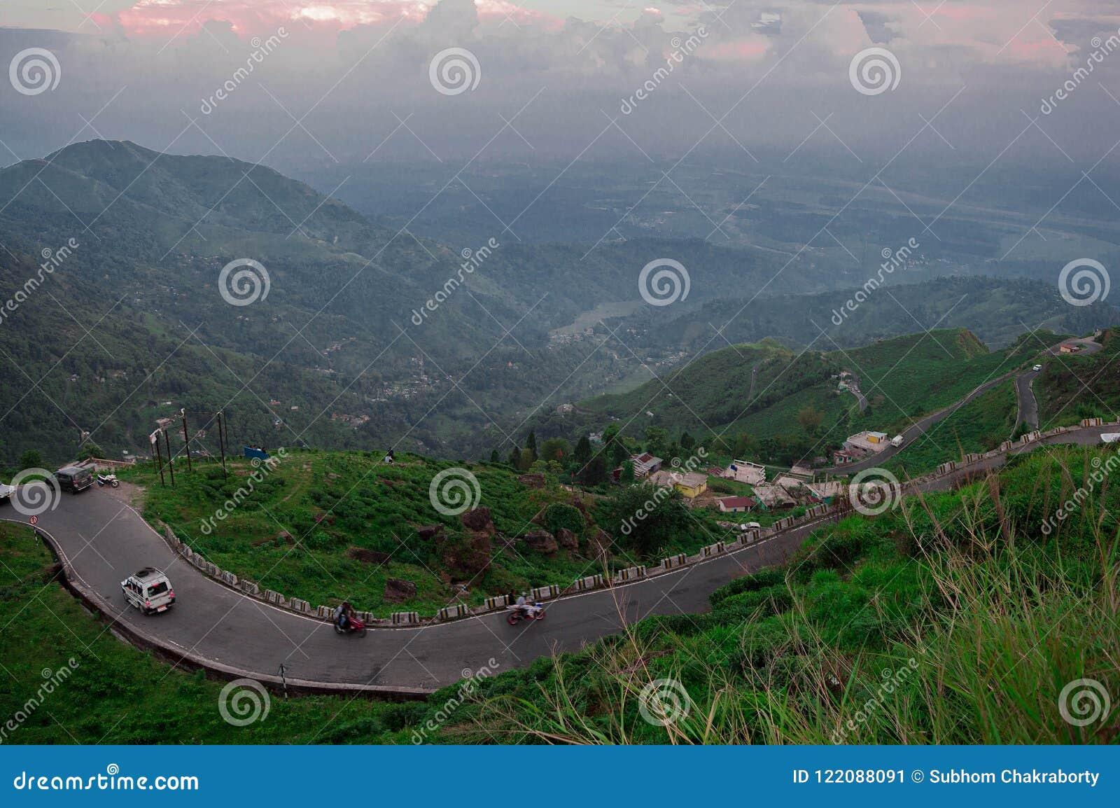 Curvy hügelige Straßen von Darjeeling