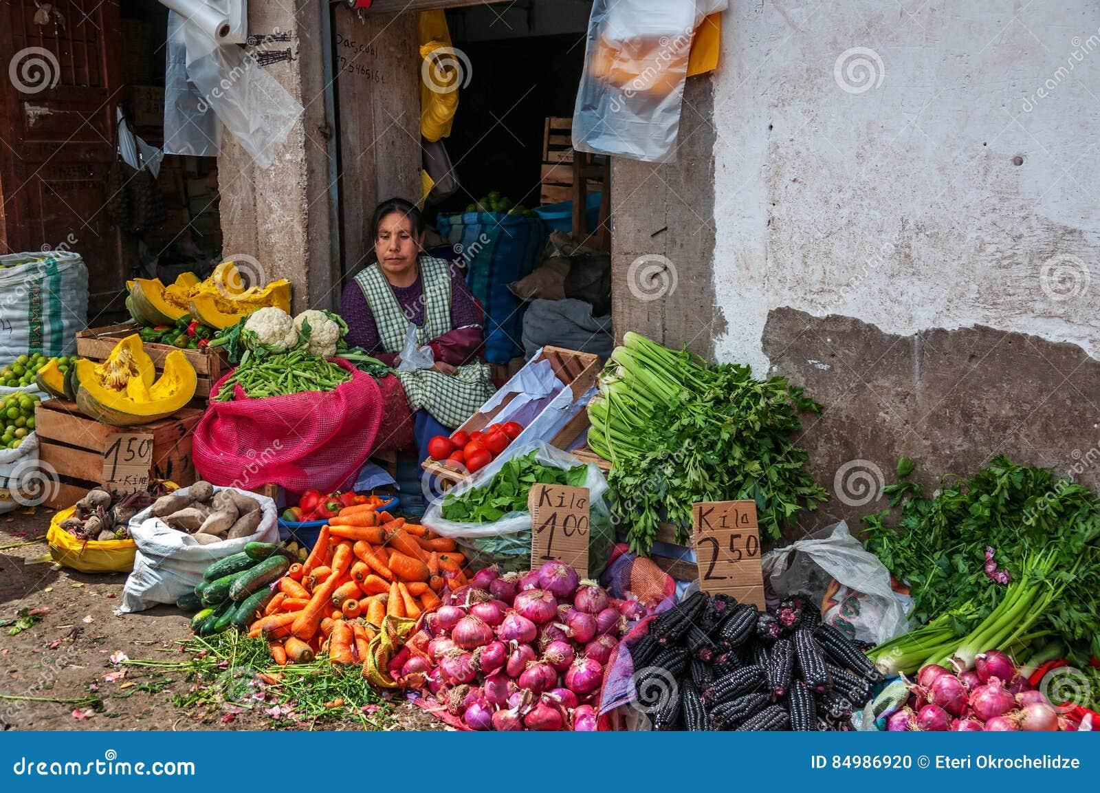 CUSCO, PERU - OCTOBER 8, 2016: Latin American Woman Sells ...