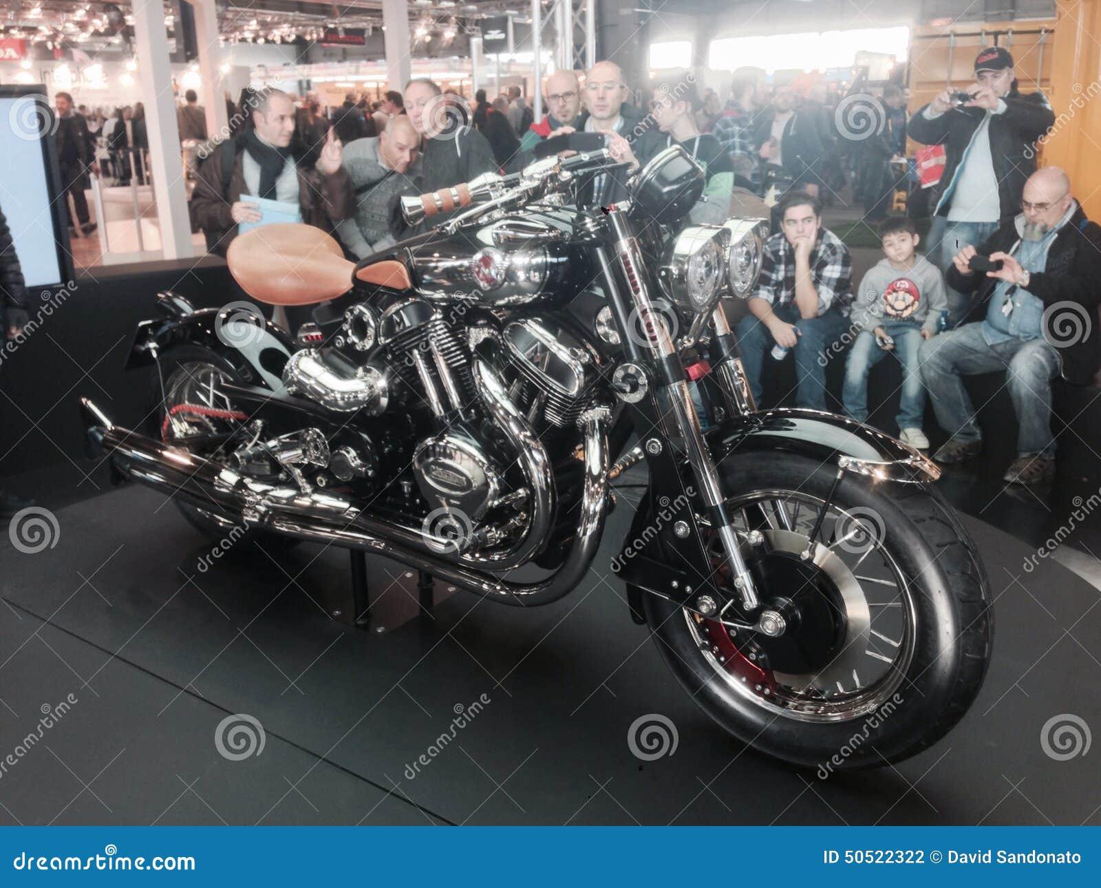 Custom Bikes Show At The 2015 VERONA MOTOR BIKE EXPO Italy ...
