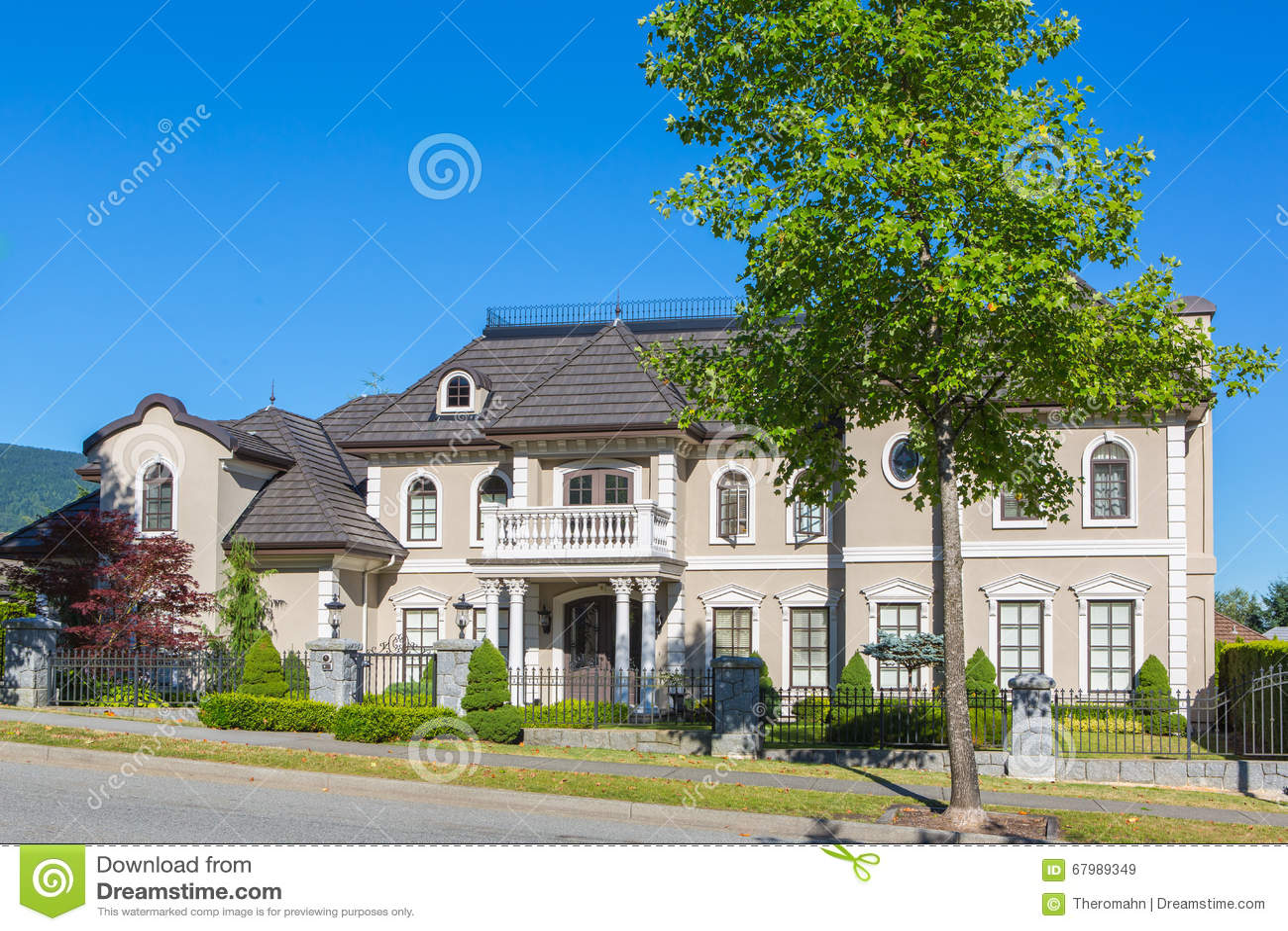 Custom Built House Stock Photo Image 67989349