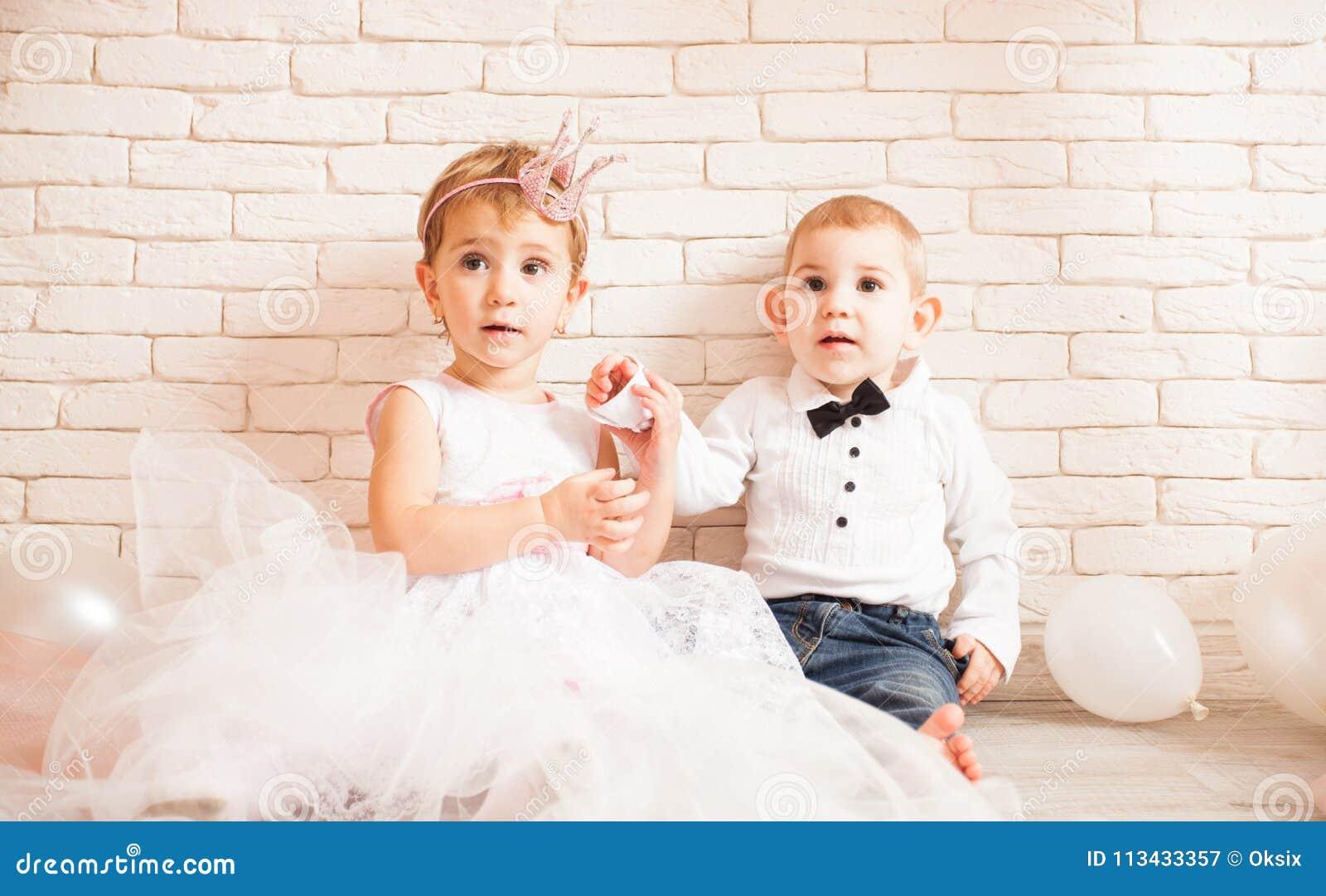Love Relationship Metaphor Stock Image Image Of People 113433357