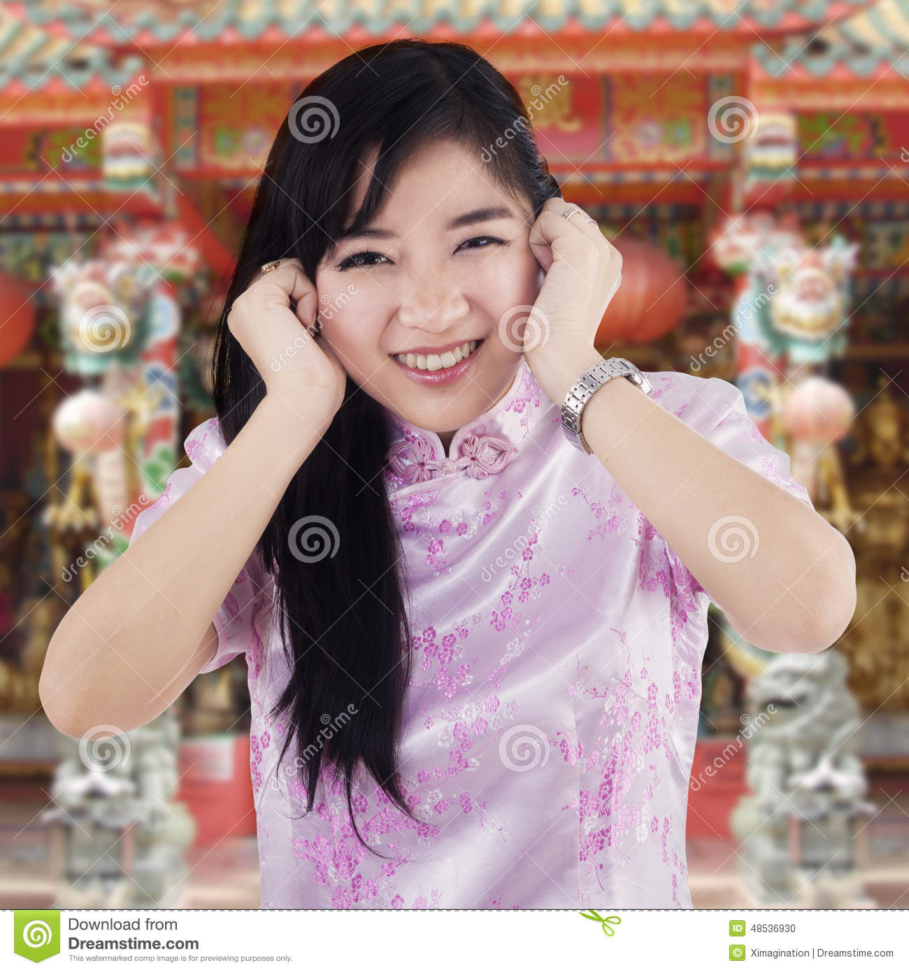 Very nice cute chinese girl Suzaa dancing on Bollywood Song ...