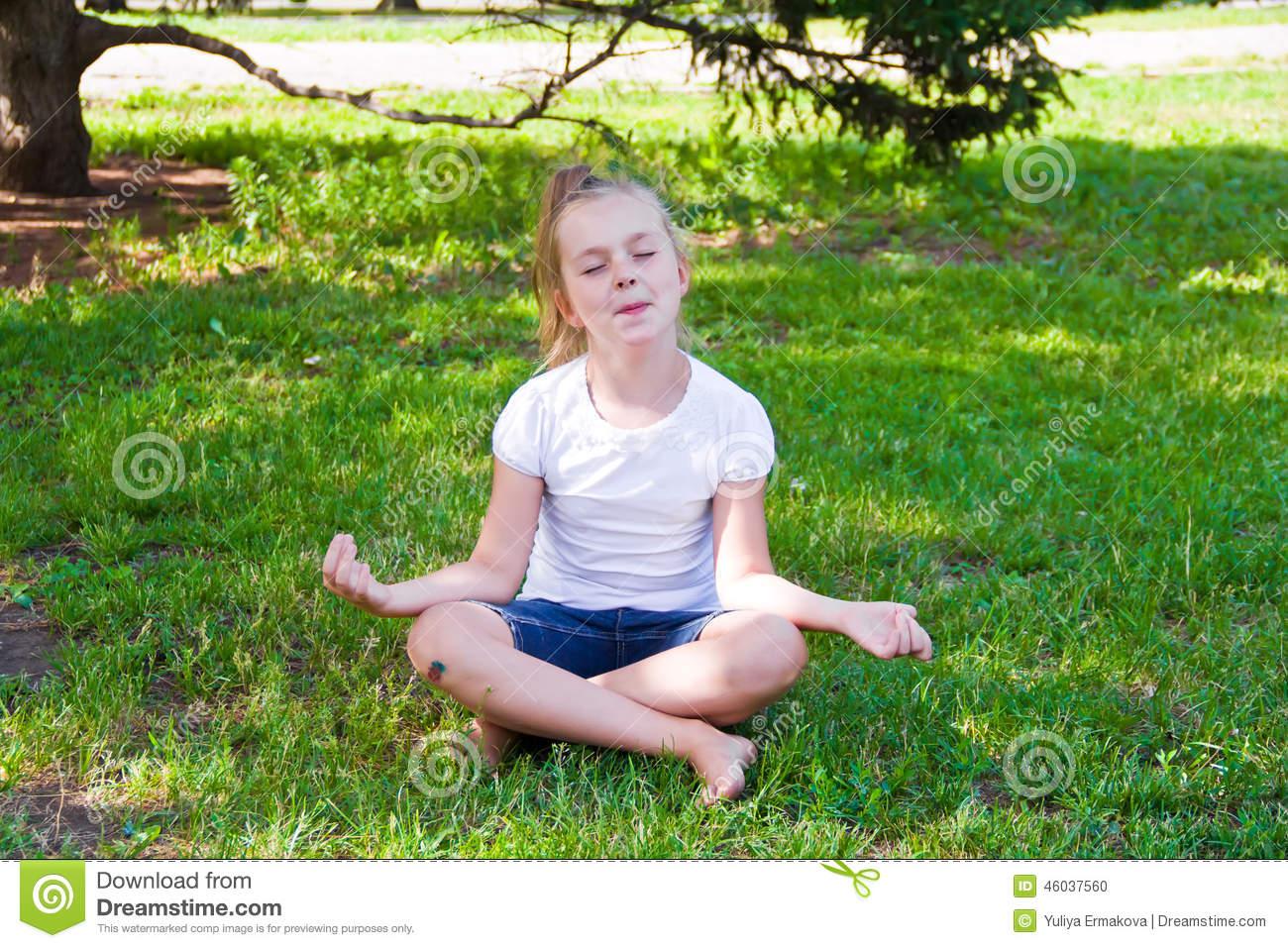 Cute Girl In Lotus Pose With Sore Knee Stock Photo - Image ...
