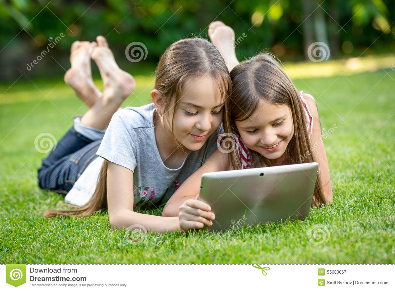 Family Playing Together Clipart Cute Girls Relaxing On...
