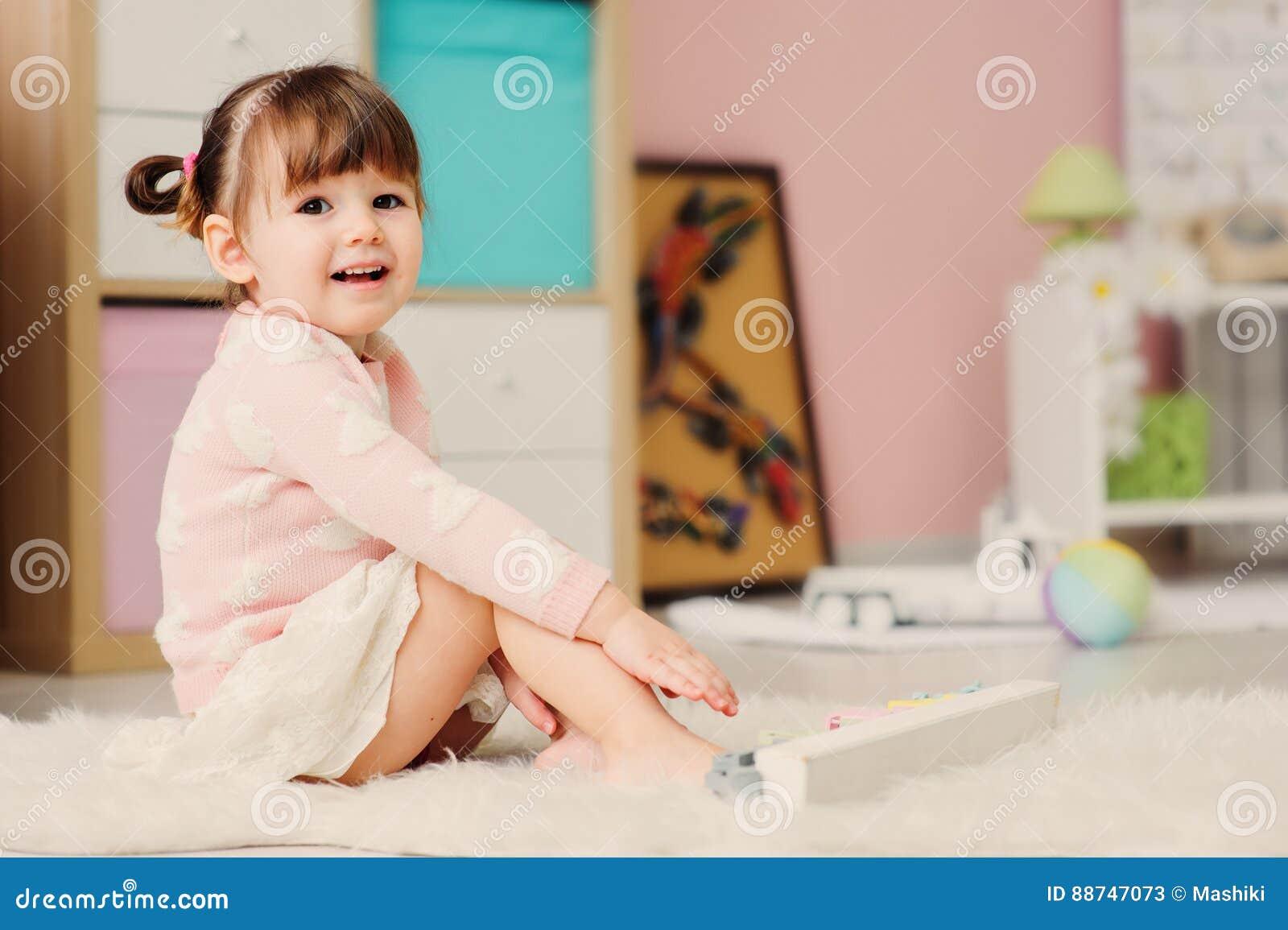 cute d girl playing