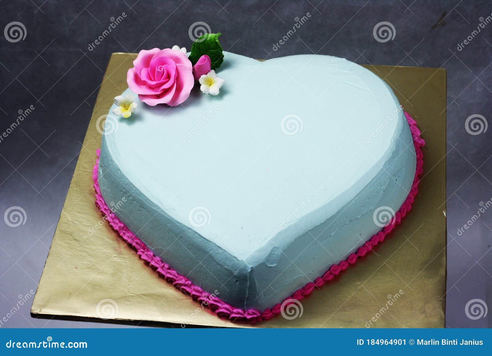 Cute Heart Shape Cake Light Blue Color ...