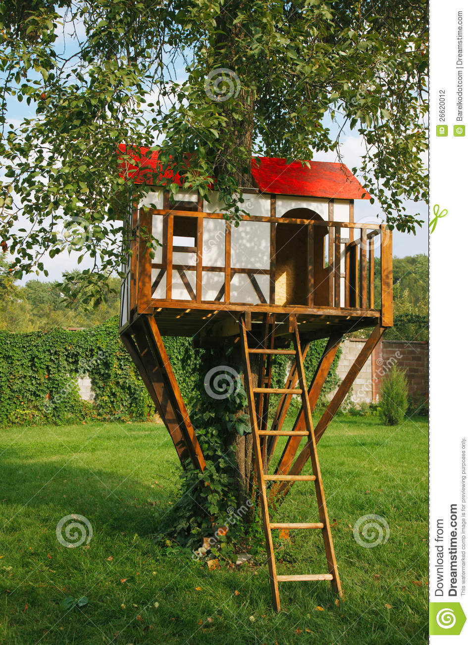 Cute small tree house for kids stock illustration image for Small tree house