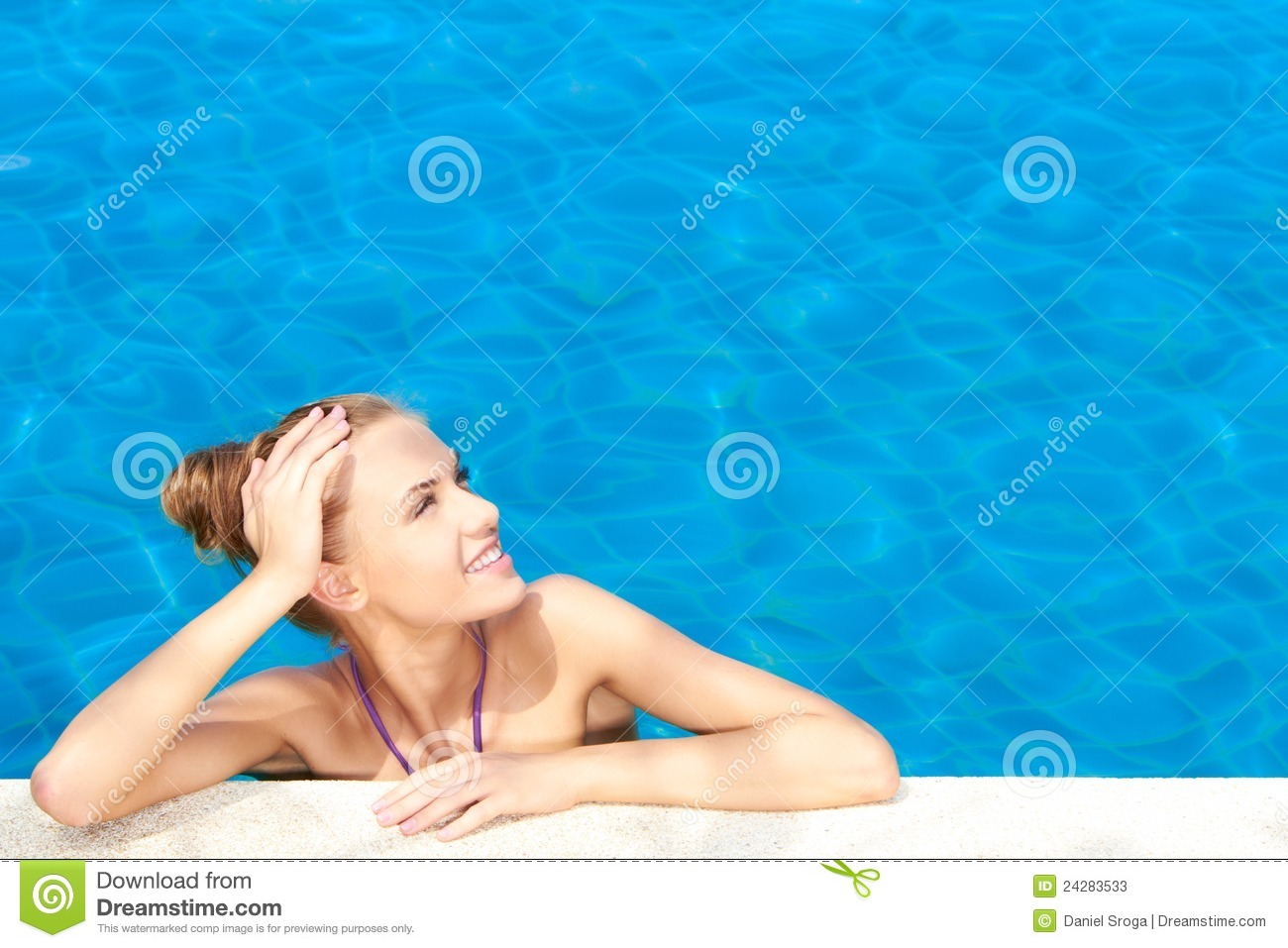 Cute in swimming pool with copy space stock photos image for Quick pool obi