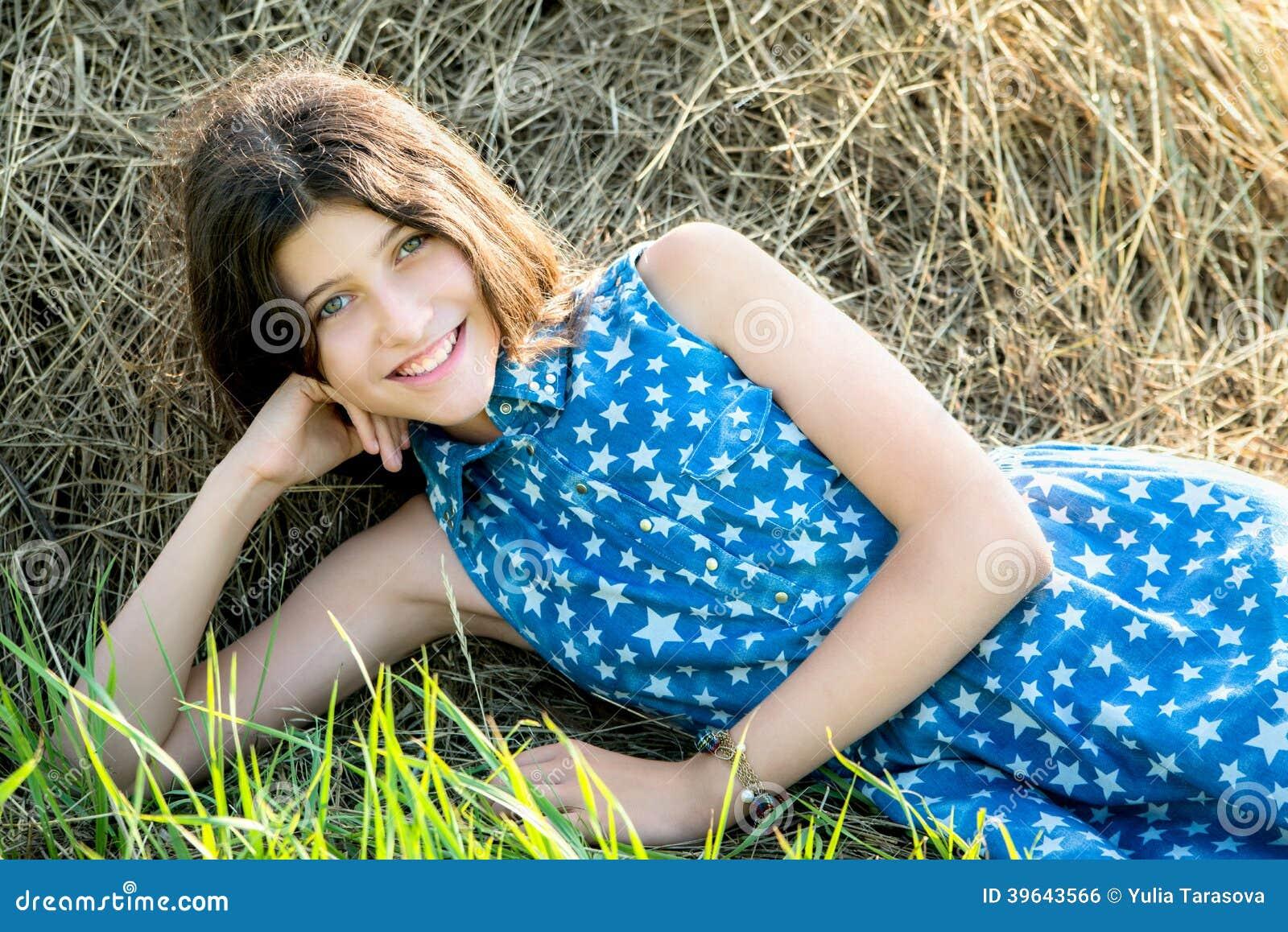 teen girls Cute farm