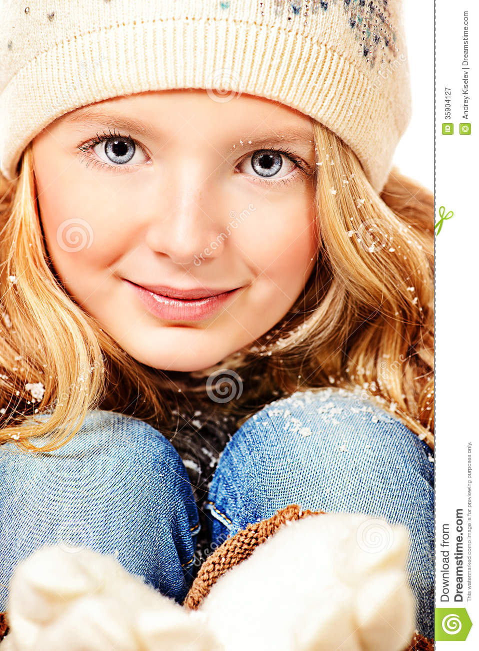 Cute teenager royalty free stock photography image 35904127 for Cute teenager girls