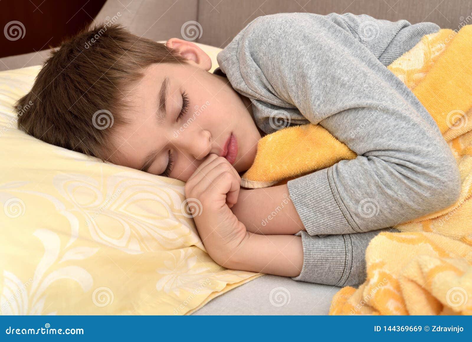 Sleeping twinks