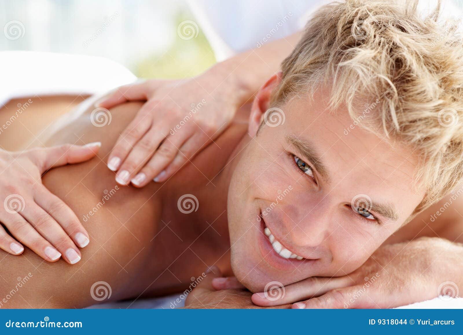 Пришла на массаж к мужчинам 7 фотография