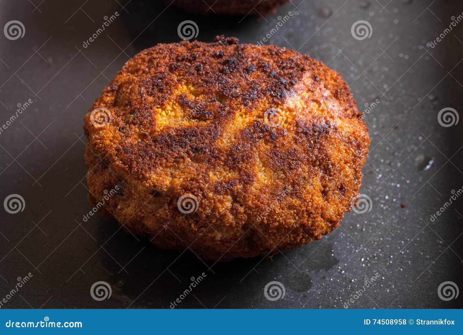 how to cook schnitzel in a frying pan