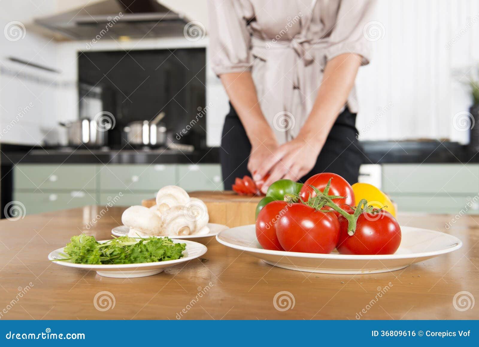 Cutting fresh ingredients