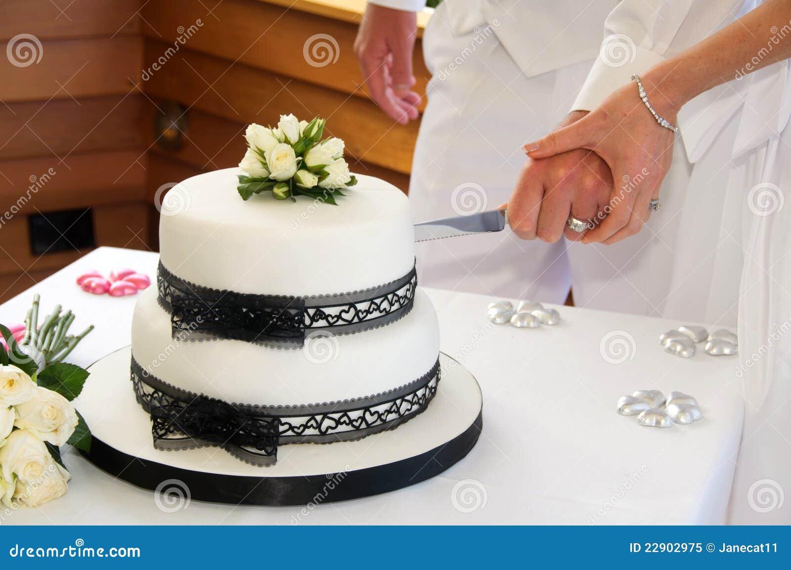 Cutting The Wedding Cake Royalty Free Stock Photo Image 22902975