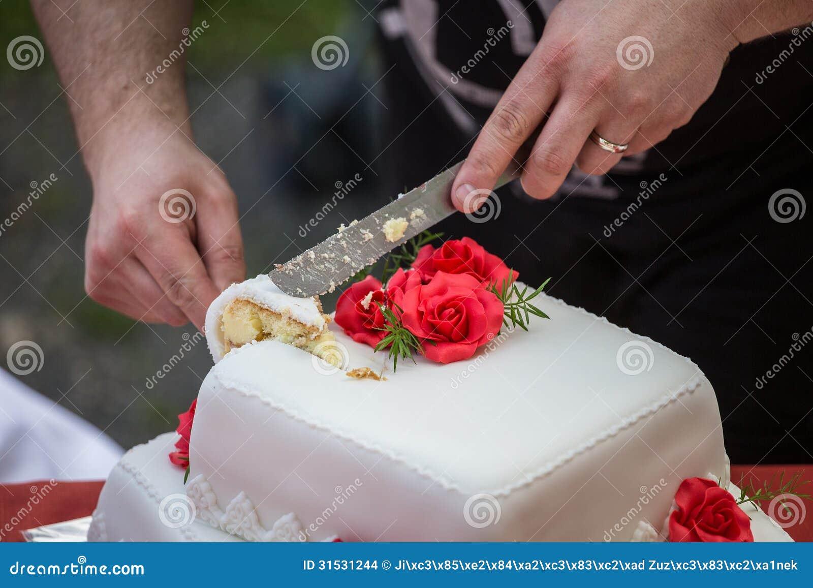 cutting the wedding cake stock images image 31531244. Black Bedroom Furniture Sets. Home Design Ideas