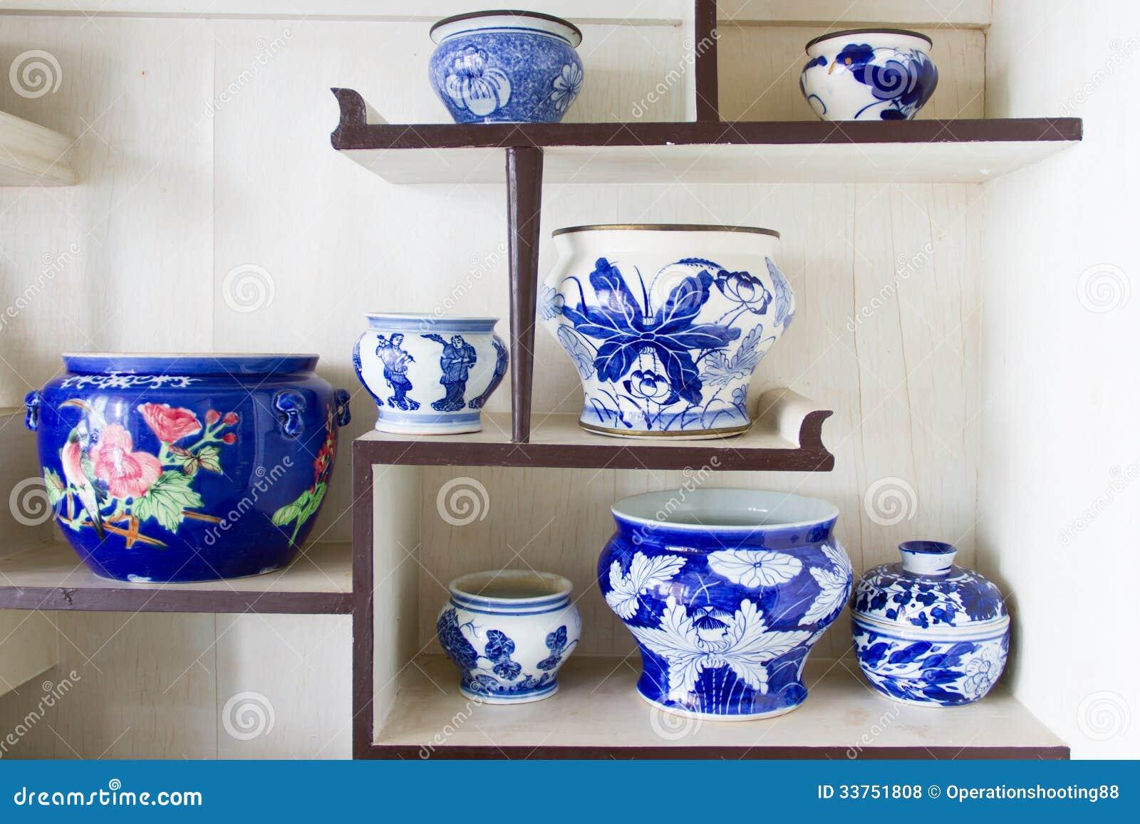 Cuvette antique de porcelaine