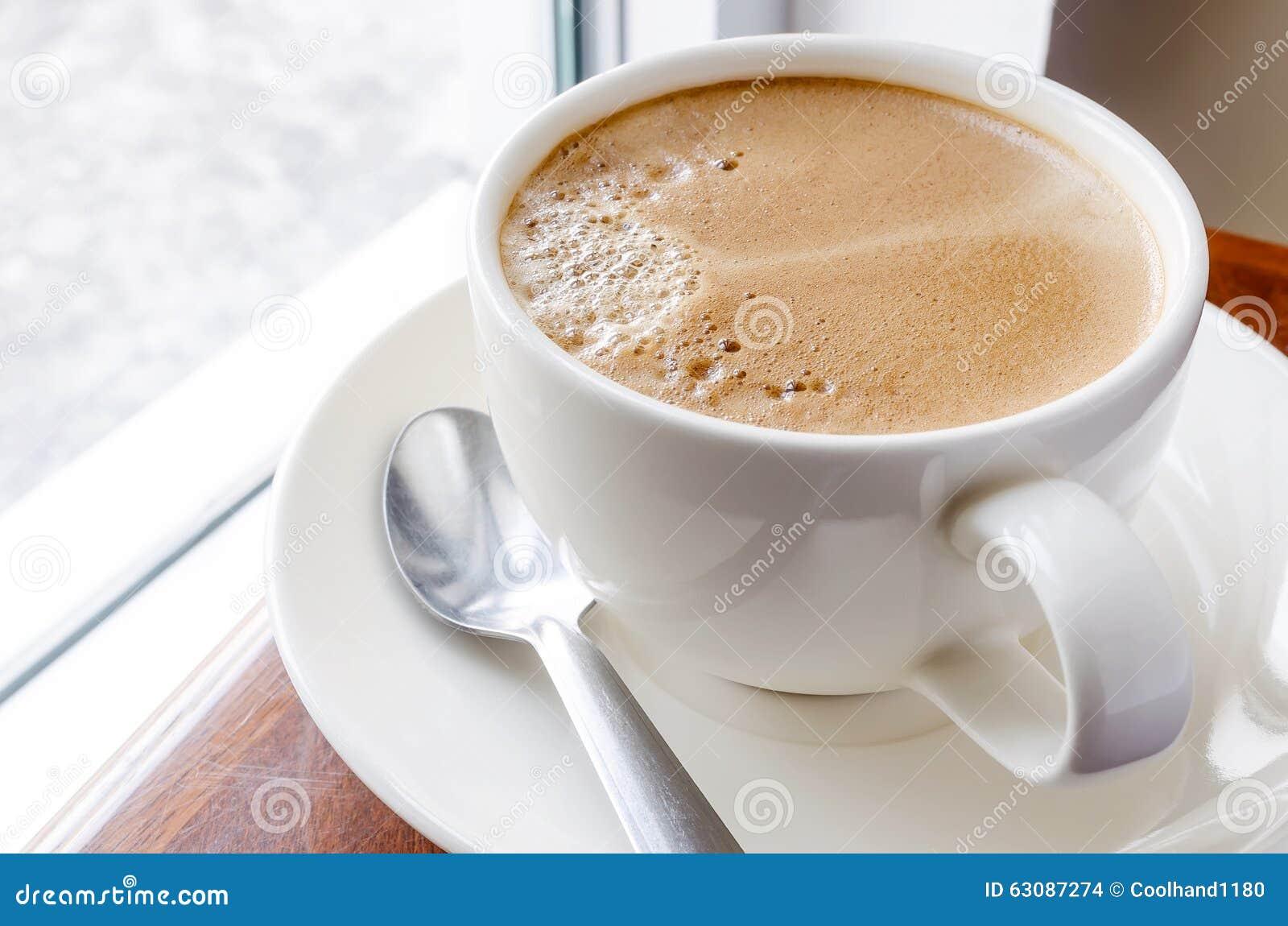 Download Cuvette de café chaud photo stock. Image du cuvette, latte - 63087274