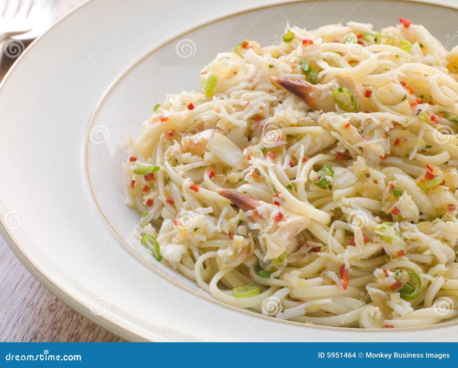 Cuvette de crabe Linguini avec les s/poivron et la coriandre