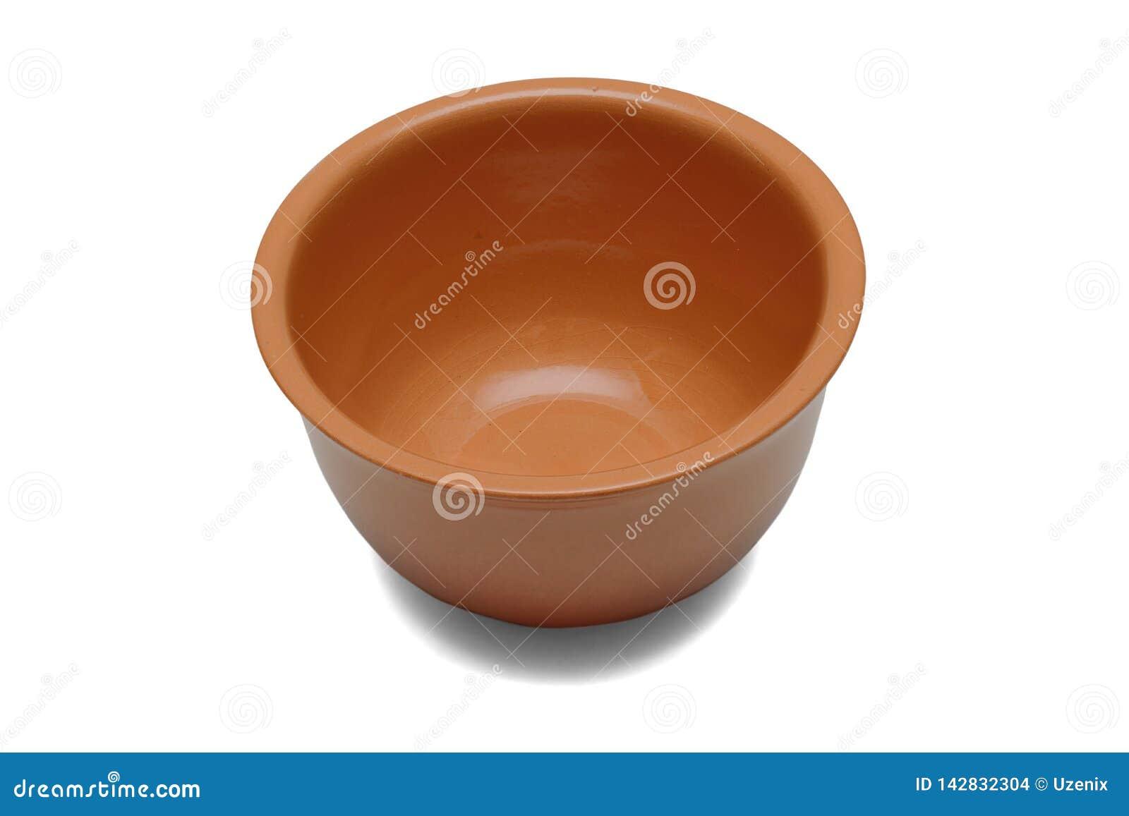 Cuvette en céramique pour des sauces ou des soupes de couleur brune d isolement sur un fond blanc