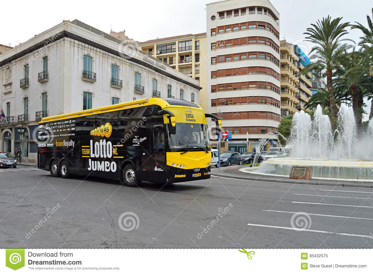 Cycle Road Race Lotto Jumbo Coach