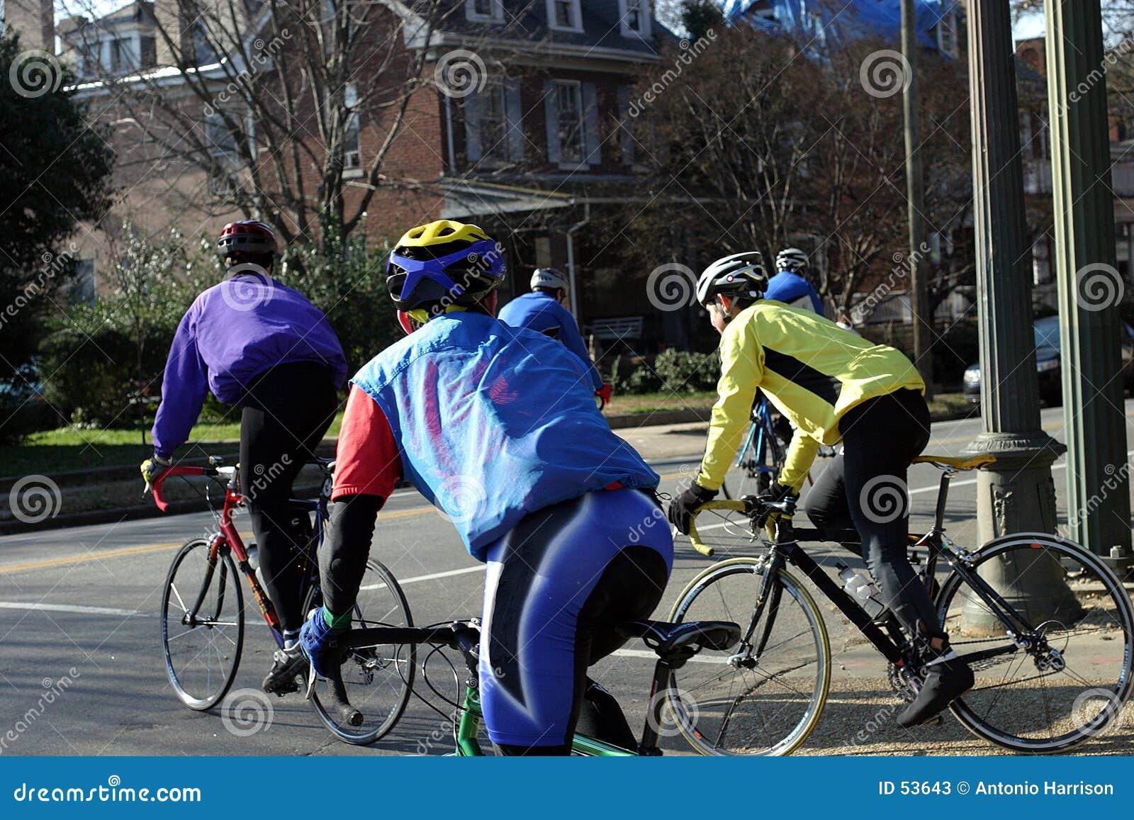 Download Cycliste image stock. Image du conduite, hommes, pneus, trame - 53643