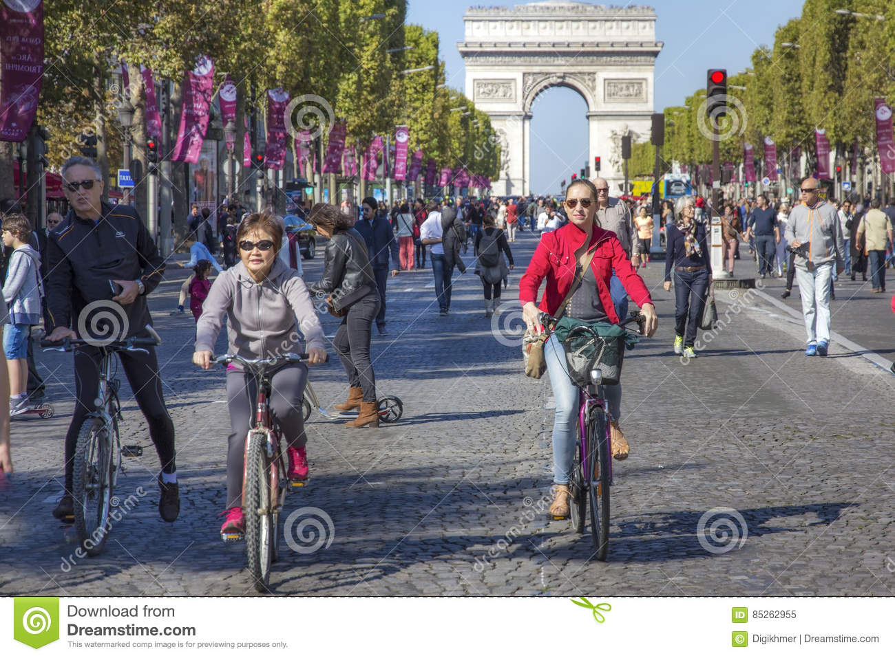 Cyclists on Champs Elysees at Paris car free day
