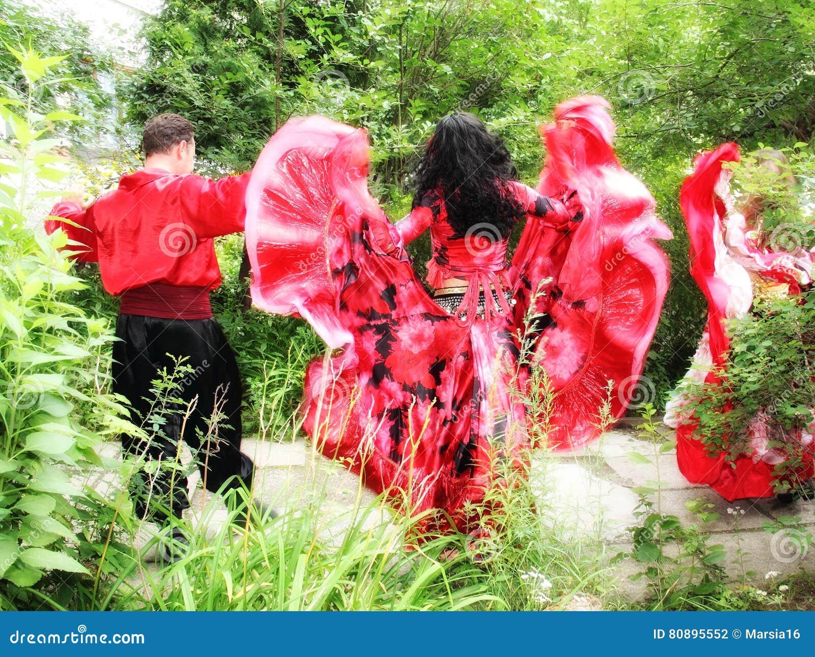 Cygański zespołu taniec