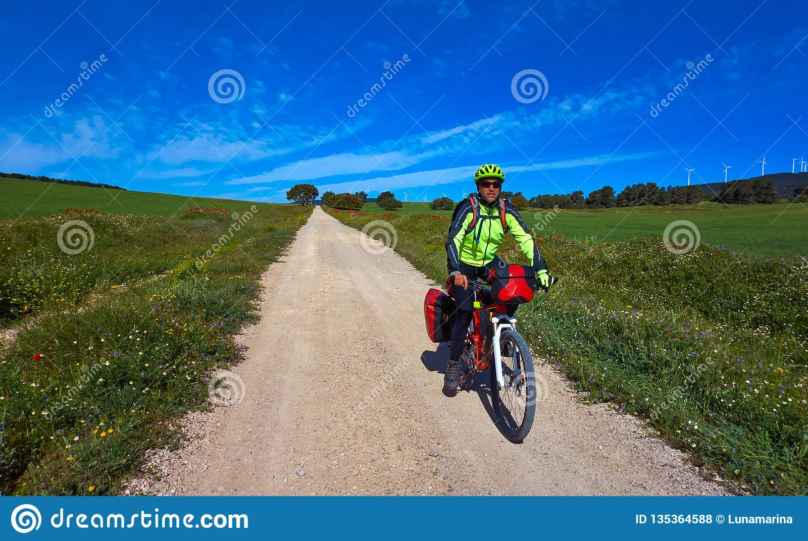 Cyklist av Camino de Santiago i cykel